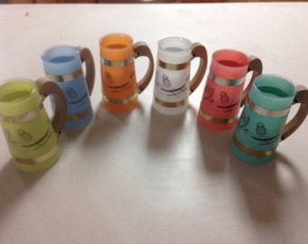 6 siesta ware cups with Hawiaiian design made in the 1960s