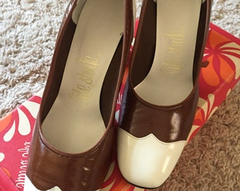 Vintage Life Stride size 7.5 patent Preakness