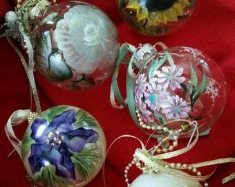 Set of 5 Ornaments, Handpainted Ornaments. Christmas Ornaments. Handpainted Christmas Ornaments