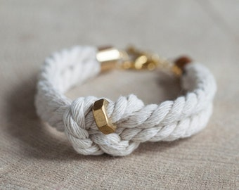 Nautical knot & nut