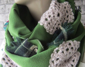 Cowl  infinity scarf, / Women Scarf, Green infinity scarf, Winter cool scarf, christmas scarf, women accessories, scarves