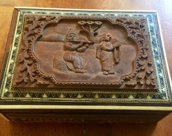 Rosewood Handcarved Box Small w/ key india flute player inlayed