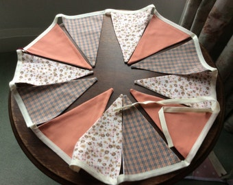 Peach and beige flowers and check bunting