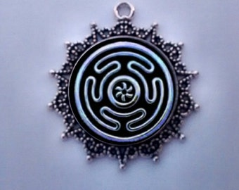 Wheel of Hecate, Hecate Symbol, Greek Goddess Hecate, Moon Goddess, Labyrinith Wheel,  Guardian of Crossroads.  FREE SHIPPING