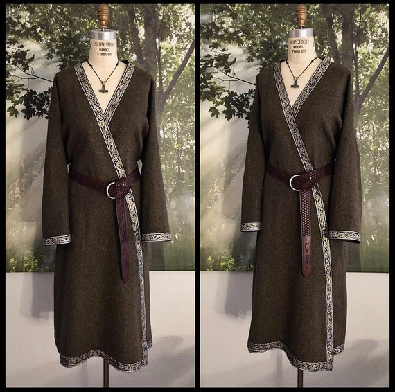 Linen Viking Hedeby Klappenrock Coat, Kaftan, Caftan, Jacket, Norse, SCA, LARP Garb Knotwork Beastie Trim Celtic Slavic Anglo Saxon, Reenact