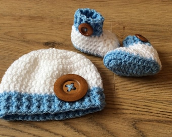 Blue and white hat and bootie set, 0-3 months