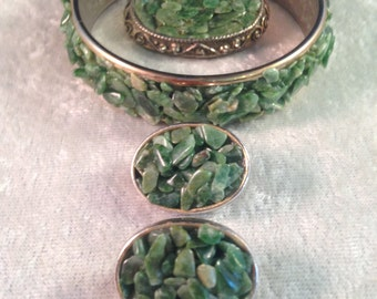 Striking Hobé Parure in Shades of Jade, Green and Turquoise Crushed Rock (Bracelet, Earrings Brooch) 510a