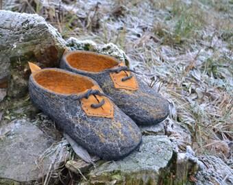 Natural Wool Slippers grey yellow felt wool handmade footwear Women Men Traditional wool valenki