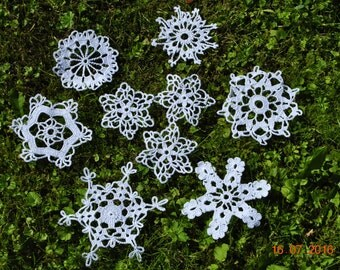 9 Crochet White Christmas Snowflakes