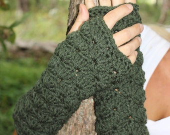 Green Fingerless Gloves, Green Wristwarmers, Dark Green Gloves, Green Mittens, Green Wrist Warmers, Green Gloves,Green Armwarmers,THE LAUREL