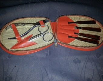 Old VINTAGE MANICURE SET