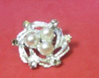 Vintage costume Brooch with beads