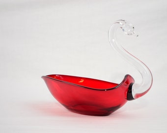 Duncan Miller 1945 - 55 Paul Mall Ruby Red Glass Clear Neck Swan Dish