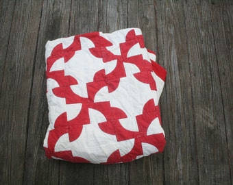 Vintage Handmade Red and White Quilt // Antique Two Color Quilt // Graphic Pattern