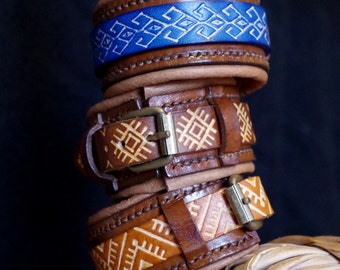 Bracelet leather - Scandinavian pattern - several choices of patterns/colors