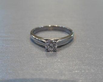 Platinum diamond soliatire ring