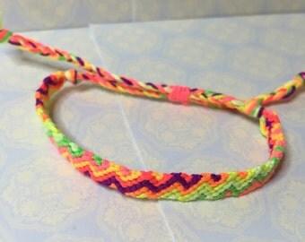 Adjustable Friendship Bracelet in Zig Zag pattern - Neon