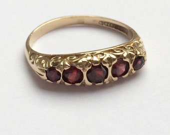 Vintage 9ct Gold Garnet Ring
