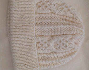 Girls Arran cable hand knitted hat age 9-13 yrs Cream