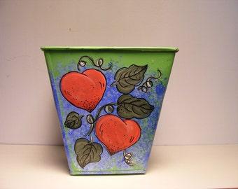 Twin hearts planter