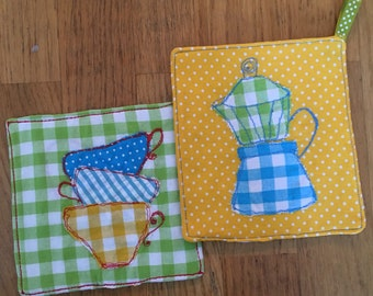 Set of two pot holders