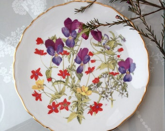 "Pretty Vintage Royal Albert Limited Edition 8"" Collectors Plate, Britain's Wild Flowers, 'Grassland Pansies'"