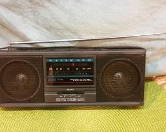 Vintage Realistic portable radio AM/FM Stereo-mate 12-722