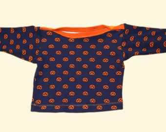 organic cotton T-shirt for babies with printed pretzels