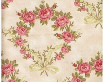 Fat Quarter, MC1676FQ, 100% Cotton Fabric, Pink, Cream, Green, Floral Wreath Print