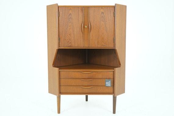 Mid Century Corner Cabinet: 306-128 Danish Mid Century Modern Teak Corner Bar Cabinet
