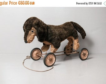 On Sale - Antique daschund puppy pull toy.