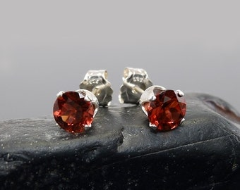 Red garnet earring, round earrings garnet, sterling silver stud earrings 5 mm