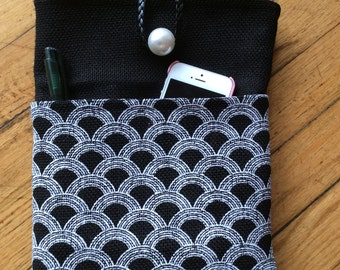 bag for a tablet with a pocket for a mobile phone