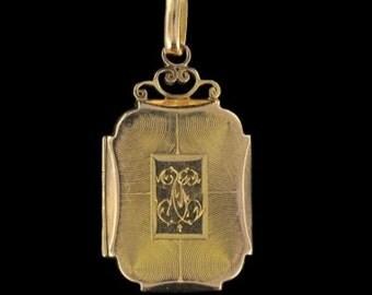 Medallion former gold rectangular pendant gold 18 K memories old