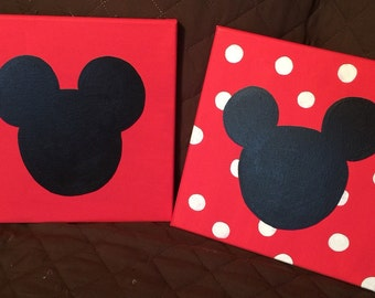 Mickey Mouse and Minnie Miouse silhouttes