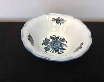 Vintage Metlox Poppytrail Colonial Garden Blue Cereal Bowl