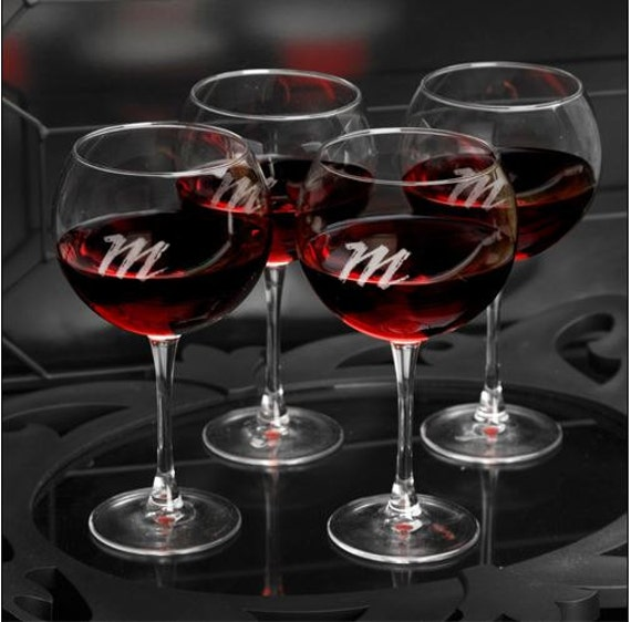 Custom wine glasses, Personalized Connoisseur Red Wine Glass