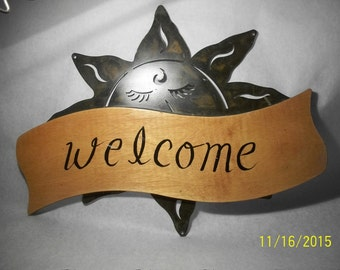 Iron/wood welcome sign
