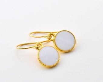 Earrings brass with white supporters