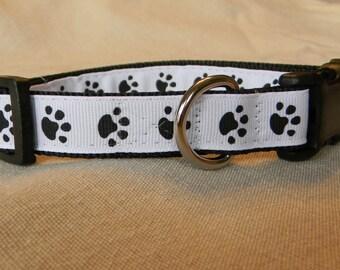 Black and White Paw Print Dog Collar