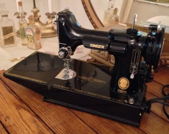 1955 Singer Featherweight Portable Sewing Machine, Perfect!