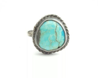Vintage Sterling Silver and Turquoise Native American Ring- Size 4.25