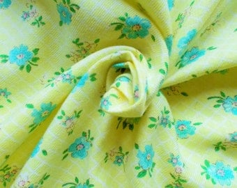 Vintage Brushed Cotton Dress Fabric - 1960's/1970's - blue & pink flowers on a lemon yellow and white trellis background - 1 piece - Unused