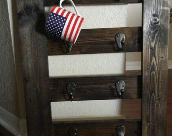 Coffee rack with 8 hooks