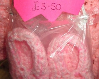 Hand crocheted Pink baby slippers size 0 - 3 months