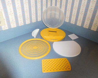 Tupperware Colander/Grater/Chopping Board