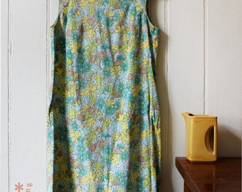 Vintage 1960's Blue Green Floral shift dress - Medium