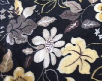 Black Yellow Flower Fleece Fabric, Anti Pill Fleece Fabric