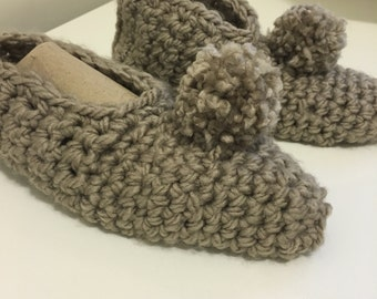 Womens sz. 7-8 slippers