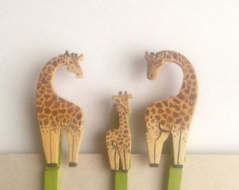 Set of 3 Decorative Clothespins (Giraffes)